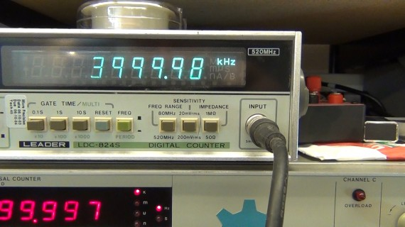 Close up showing the Leader which is counting the source at 4Mhz agrees with the Arduino's math down to 1Hz. NICE!